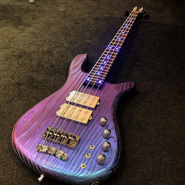 👽👽 Warwick Streamer $$ @framuswarwickofficial  #warwick #warwickbass #outtathisworld #bassguitar #bassplayer #lowend #rock #musician #cool #chameleon #bass #bassguitar #music #gear
