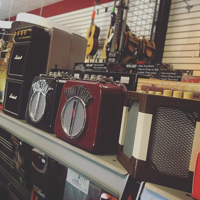 Amps of all sizes 😉 🎸 🎸 🎸 #music #musician #guitar #guitarist #amp #gear