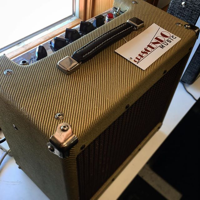 This used Peavey 20-watt tube combo amp sounds killer. Come check it out before it's gone! 🎸 🎸 🎸 #music #musician #guitar #guitarist #amp #gear #rock