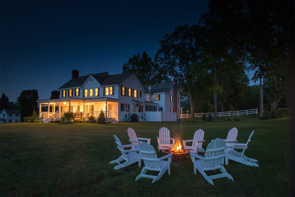 HILL FARM INN   RATES $185    BOOK YOUR RESERVATION
