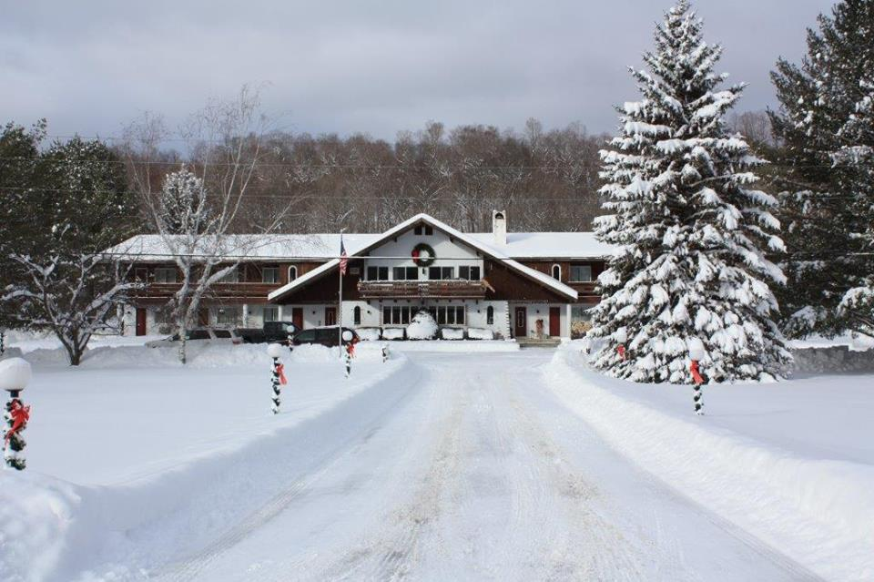 OLYMPIA LODGE   RATES $89+      BOOK YOUR RESERVATION