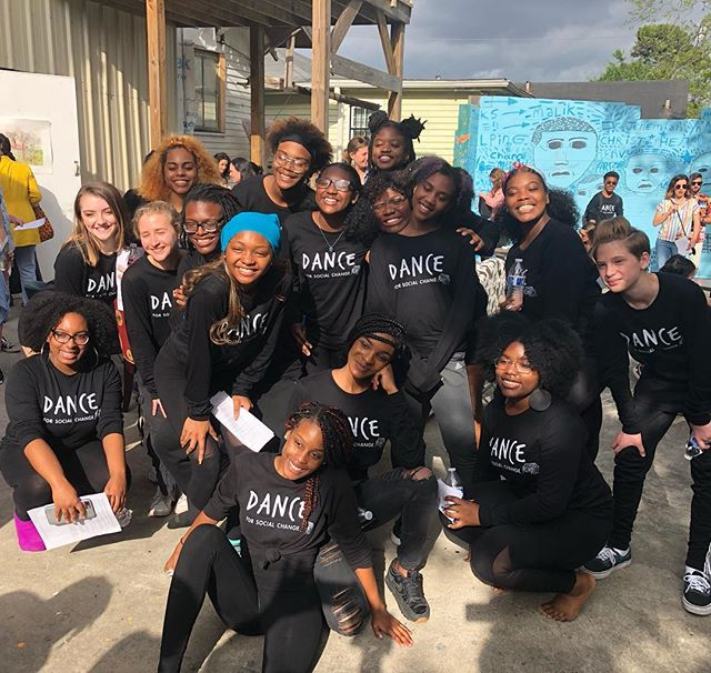 Good Morning and Happy Sunday! Guess what?!? Yesterday was a full house!!🙆🏽♂️🙋🏽♀️🏠🏠🏠 Big thank you to everyone who came to gather with us, we appreciate your attention, energy, and focus. WE'RE  DOING IT ALL OVER AGAIN - TODAY  at 3pm @artklubnola. Join us! . Just a friendly reminder that this event is sliding scale (pay what you can), and no one will be turned away at the door. YOUTH are FREE! So bring ya mama, ya cousin, your lil sista, ya daddy and his brother, bring the family! We want to see you 🏠😁 #ReclaimingOurHome #Don'tGentrifyMe #DSCReunion #DanceForSocialChange #dghappenings