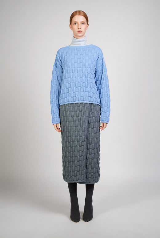 KNITTED SKIRT PIIA - This knitted skirt is characterized by an effective pattern which creates a unique textured surface. A simple and practical item to keep you warm. Oversized fit. Textured knit. 100% wool. Hand wash.
