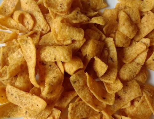 Fritos = Corn, corn oil and salt.Terribly vegan.