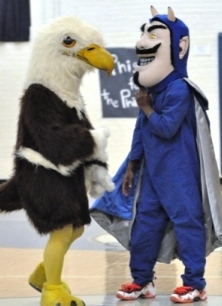 Didn't think I could find a picture of a bald eagle with a devil, did you?
