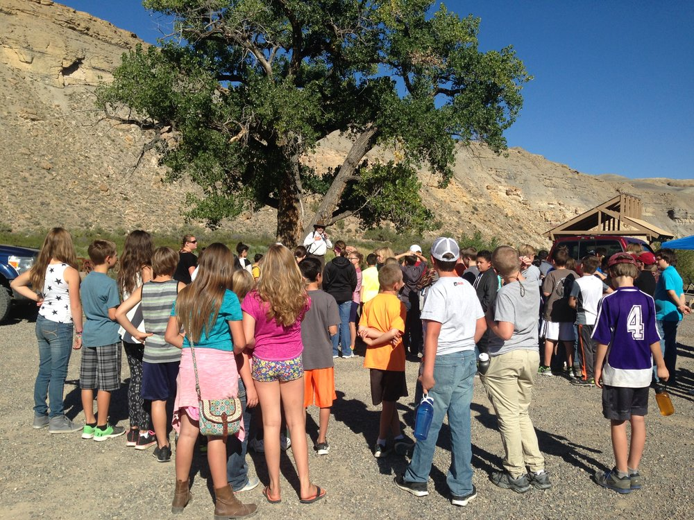 6th grade students get ready for fun and learning at the Cottonwood Grove Campground.