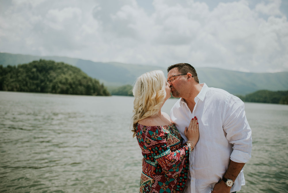 south-holston-lake-engagement-session-6.jpg