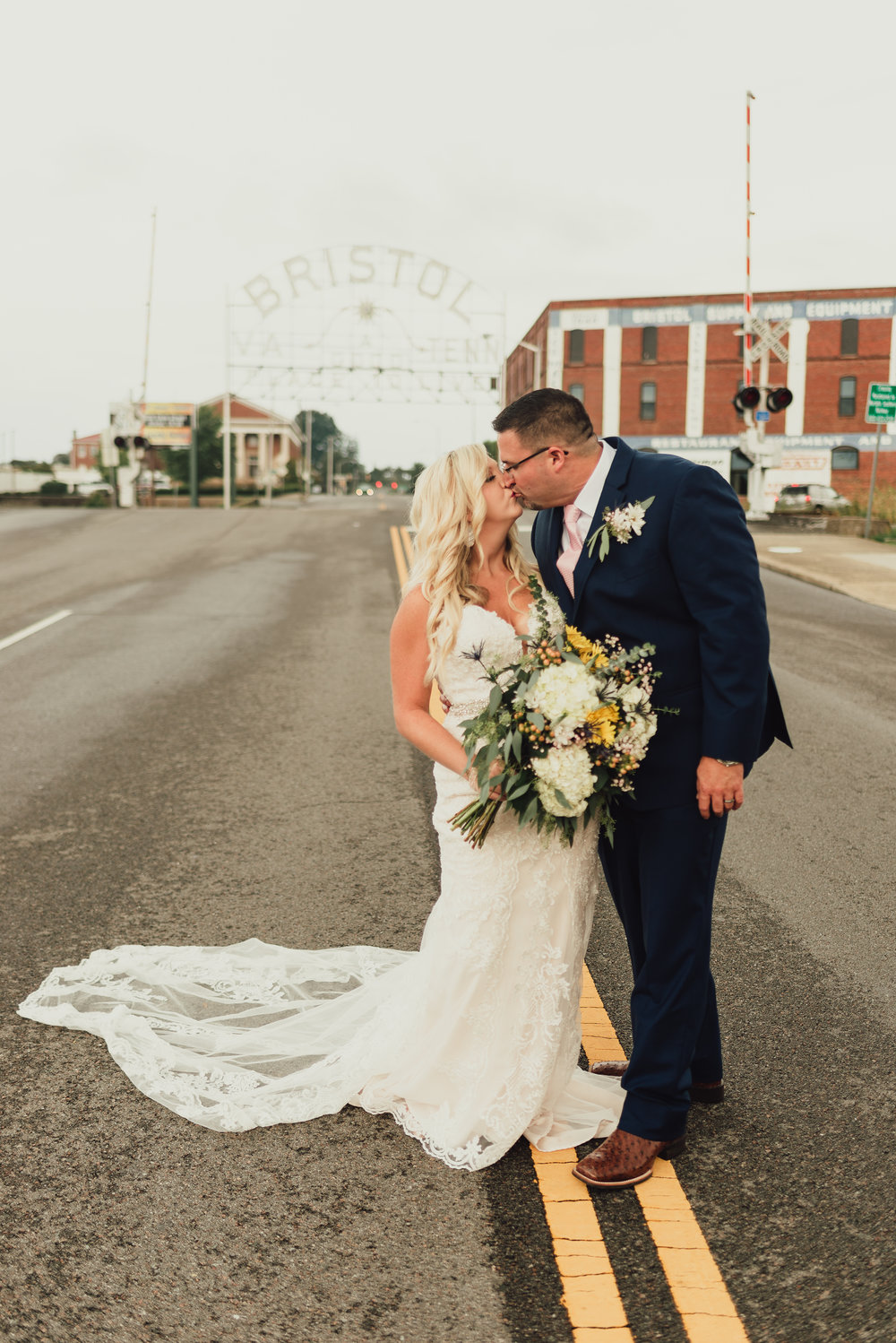 east-tn-wedding-photographer-tennessee-elopement-photographer-kingsport-tn-wedding-photographer (627 of 1001).jpg