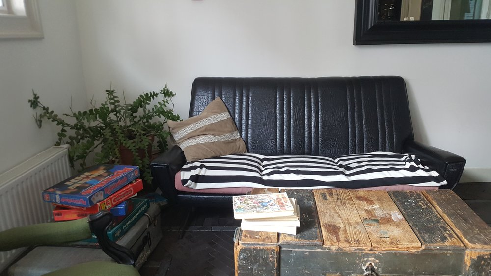 Hello Im Local lounge.jpg