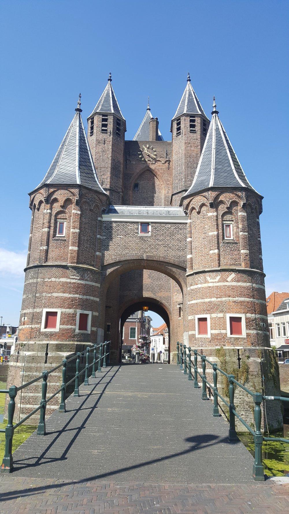 castle archway.jpg