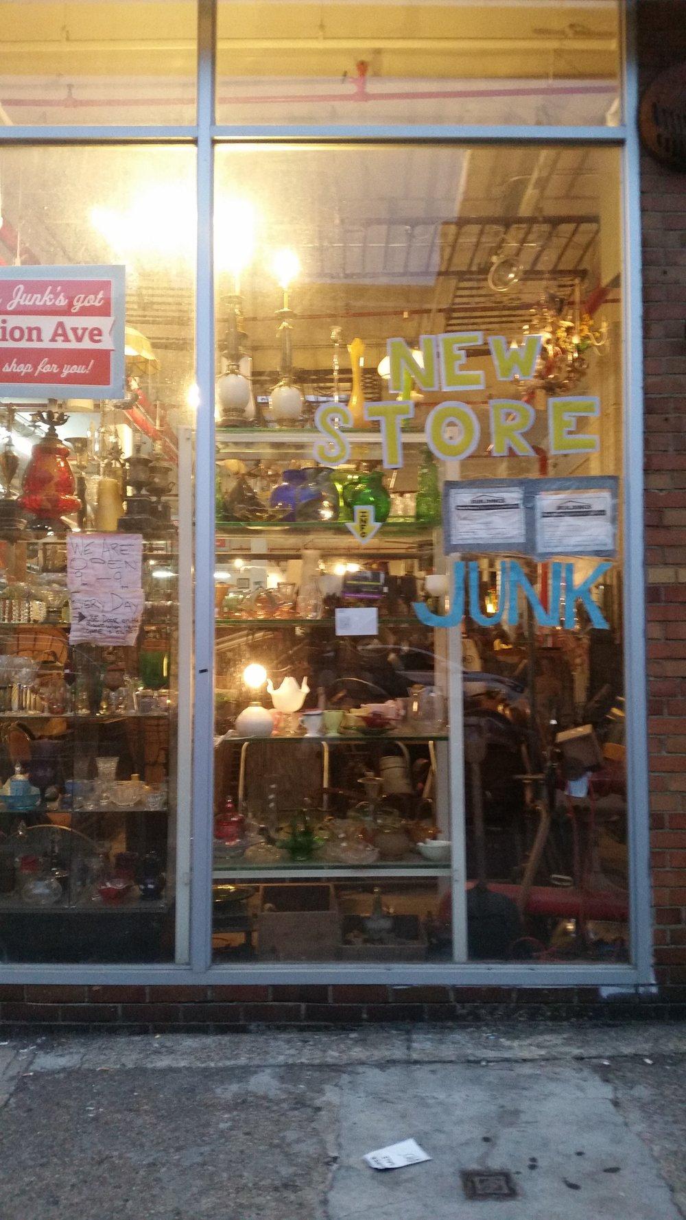 vintage shop brooklyn.jpg