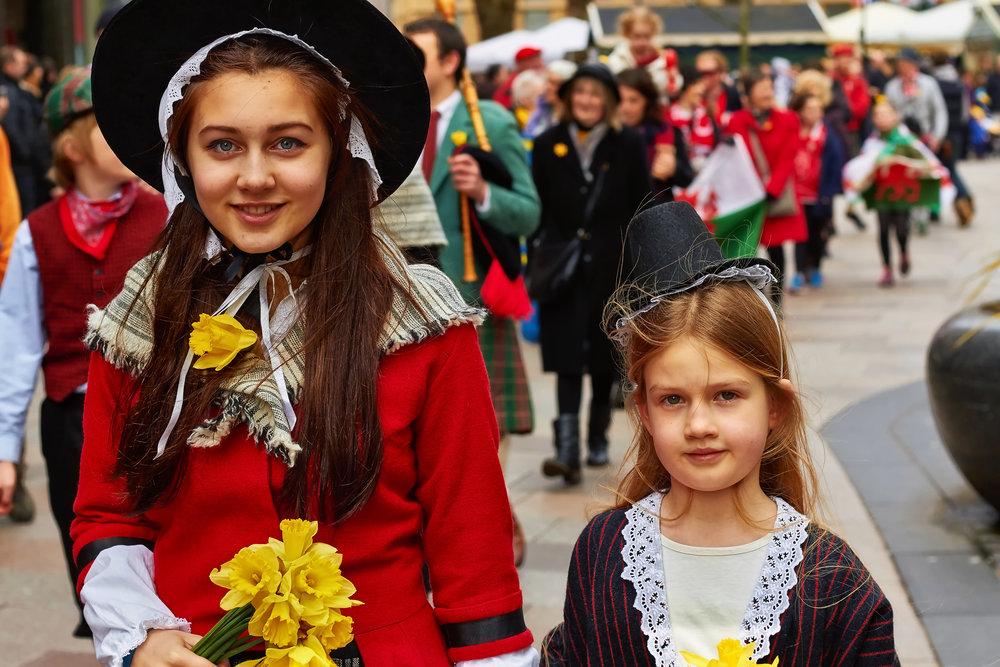Girls in Welsh Bonnet FINAL.jpg