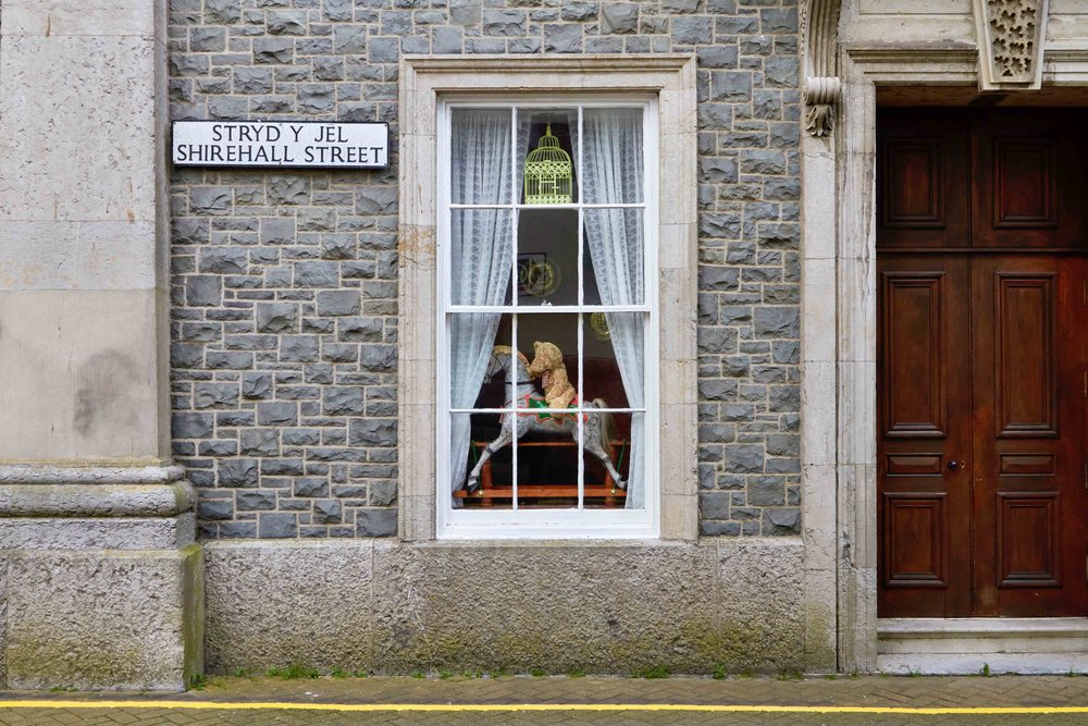 Caernarfon_Street_Window_2_web.jpg