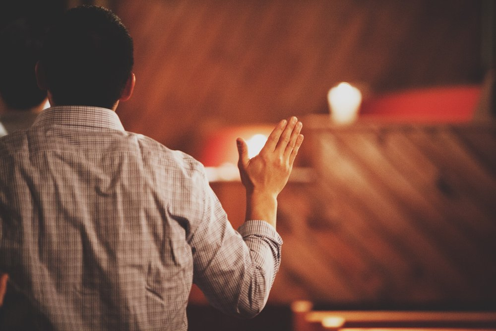 FAMILIAR FOREIGNERS: ASIAN-AMERICANS AND WHITE MAJORITY CULTURE CHURCHES