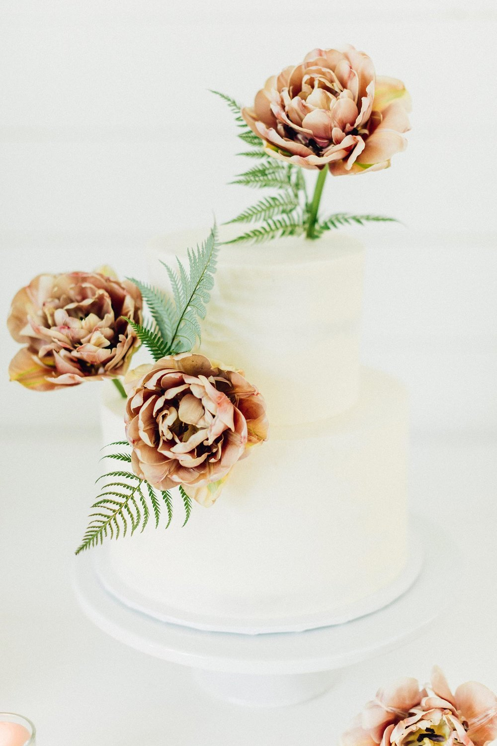 Cake flowers by Portland florist Color Theory Collective
