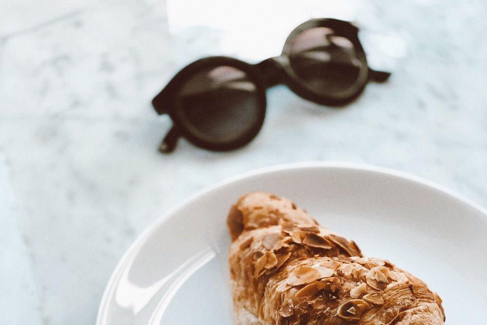 bread-close-up-croissant-1376199.jpg