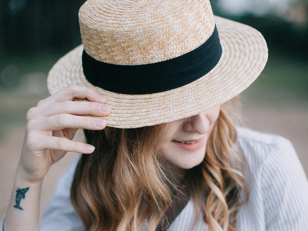 casual-fashion-hat-1741248.jpg