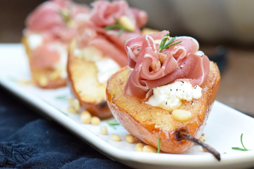 ROASTED HONEY PEARS WITH PROSCIUTTO & GOAT CHEESE