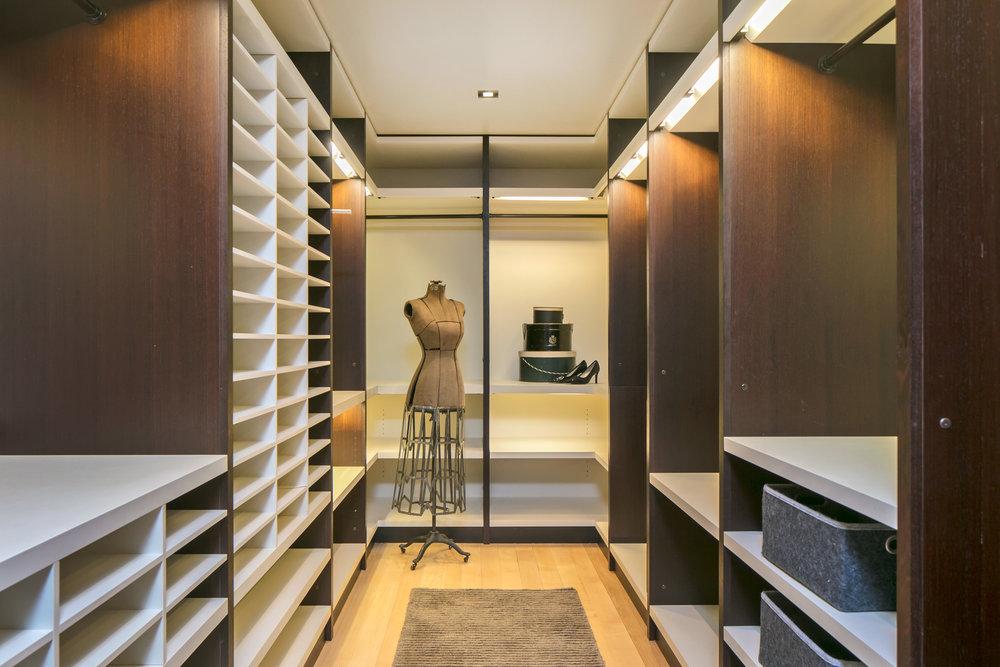 24 master closet.jpg