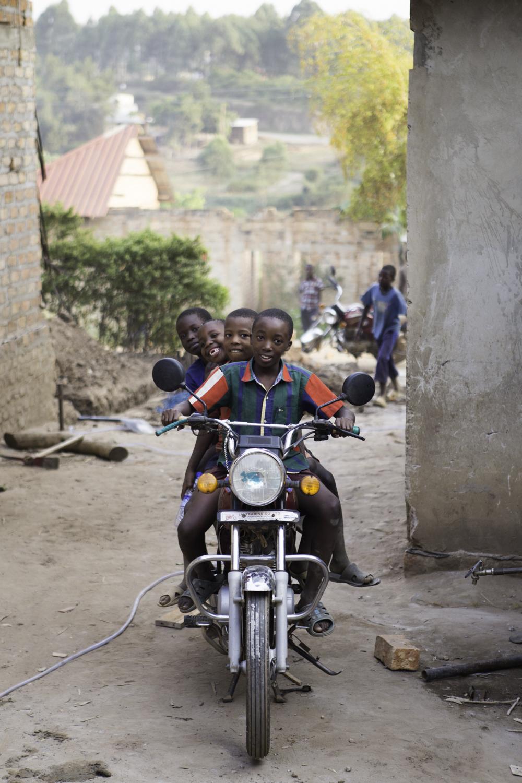 sarah-danielle-photography-Uganda-WRF-300.jpg