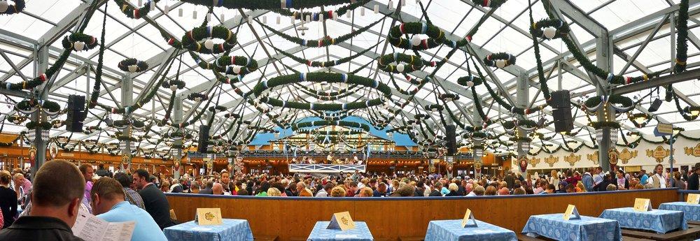 München,_Schottenhamel,_Oktoberfest_2012_(02).jpg