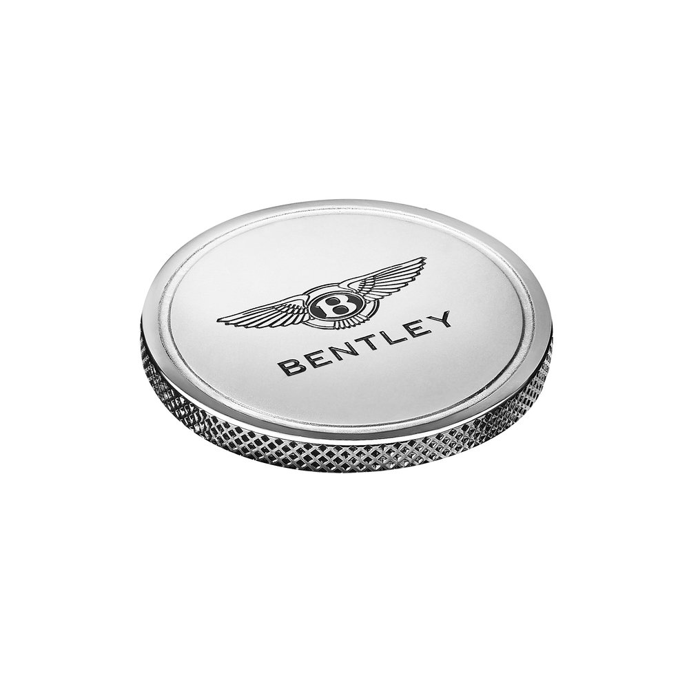 Bentley tees off new Golf collection (8).jpg