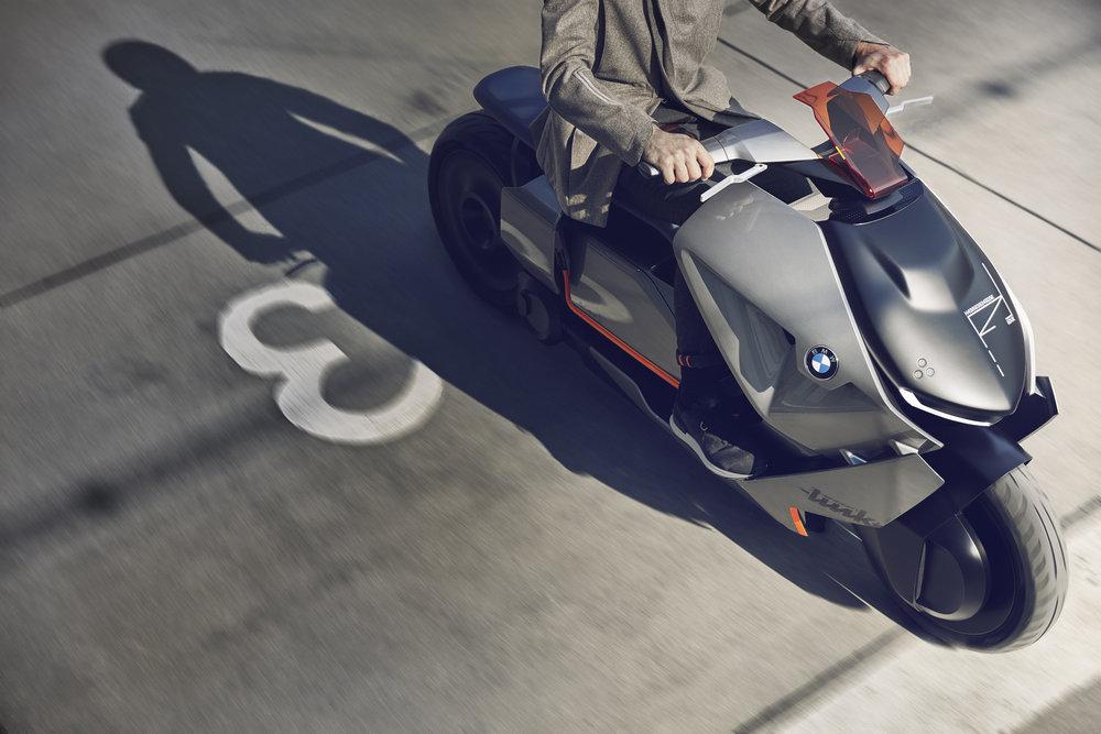 P90260580_highRes_bmw-motorrad-concept6.jpg