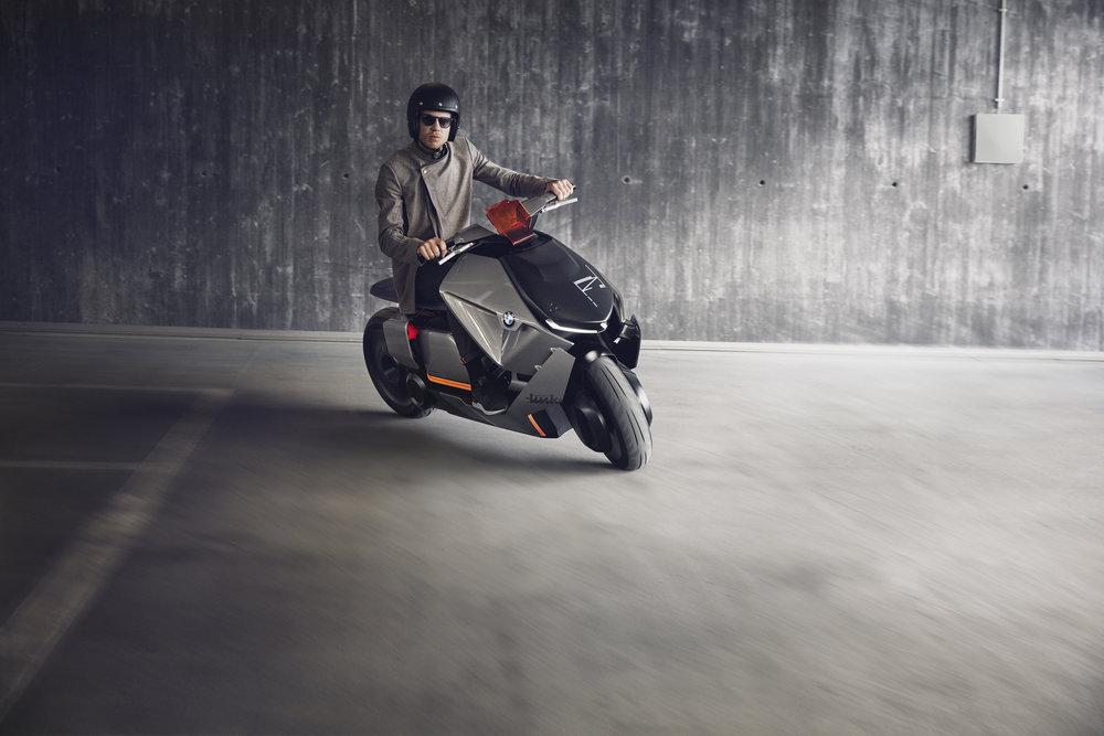 P90260584_highRes_bmw-motorrad-concept7.jpg
