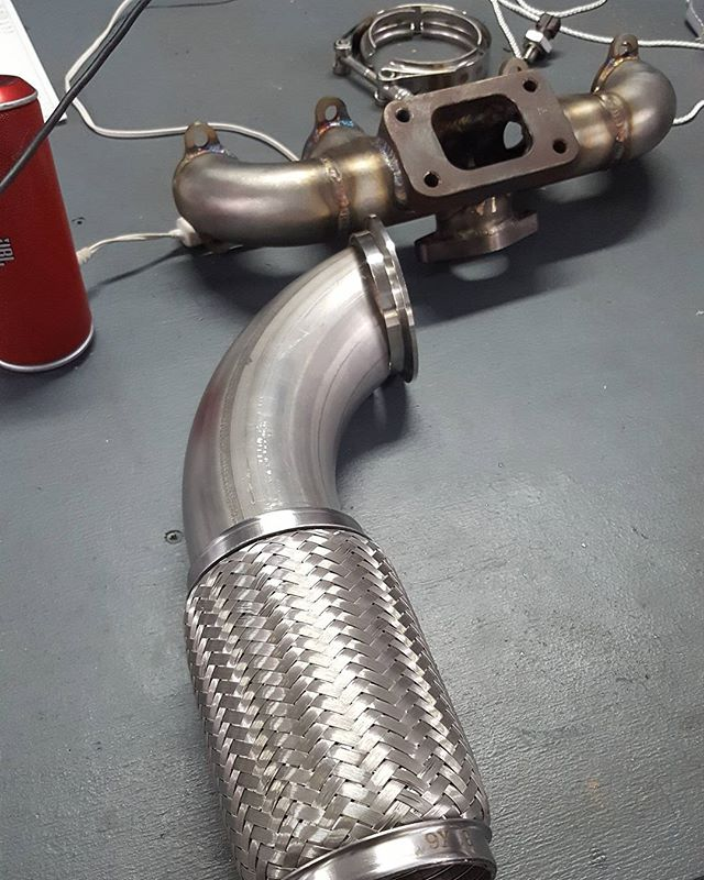#Fabricationtime for the shop #jetta. Going back to #sebring in September with a few customers and buddies. Need to get #Daskoupe ready. #tracktesting showed faults with our original cast #turbo manifold and inadequate flex in the downpipe. #motorsport #mk2 #aba #8v #vw #vwvortex #jetta #coupe #staytuned