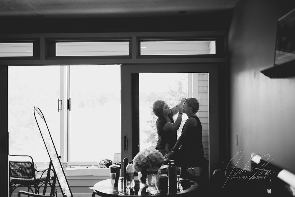 JMH_Photography_shanahans_barn_charlevoix_michigan_wedding-10.jpg