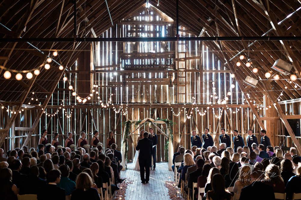 JMH_Photography_shanahans_barn_charlevoix_michigan_wedding-43.jpg