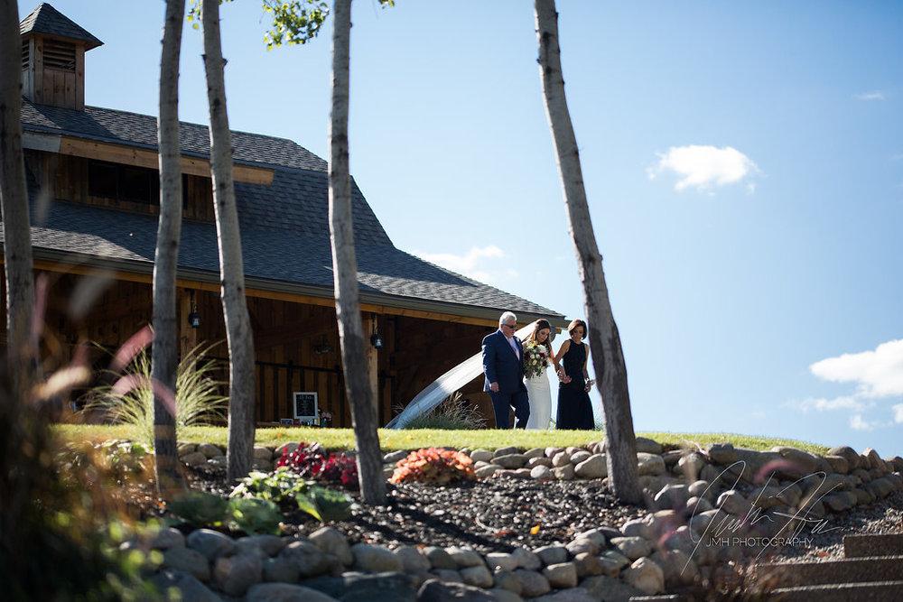 west_michigan_wedding_photographer_JMH_Photography-29.jpg