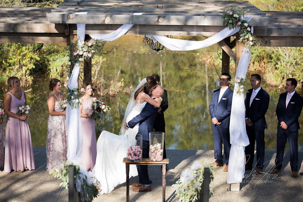 west_michigan_wedding_photographer_JMH_Photography-38.jpg