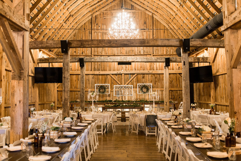 Sonshine_barn_northern_michigan_wedding_-19.jpg