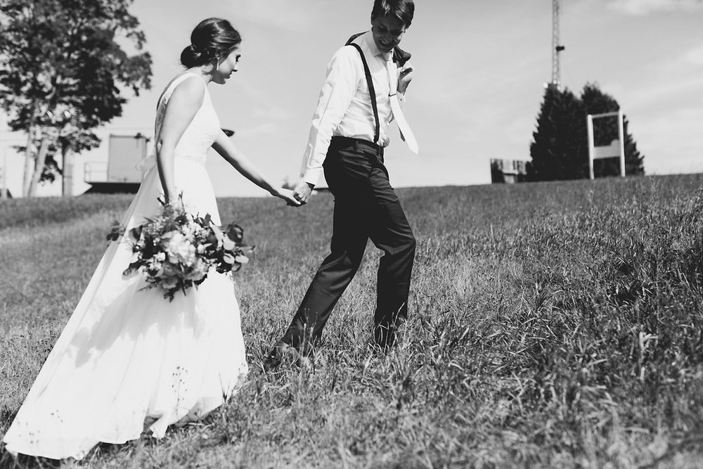 Sonshine_barn_northern_michigan_wedding_-52.jpg