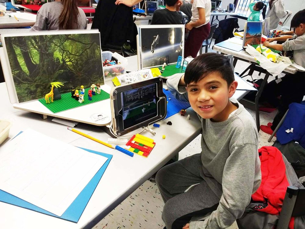 One Earth Film Fest sponsored an outreach stop-motion filmmaking workshop in Little Village on November 30.