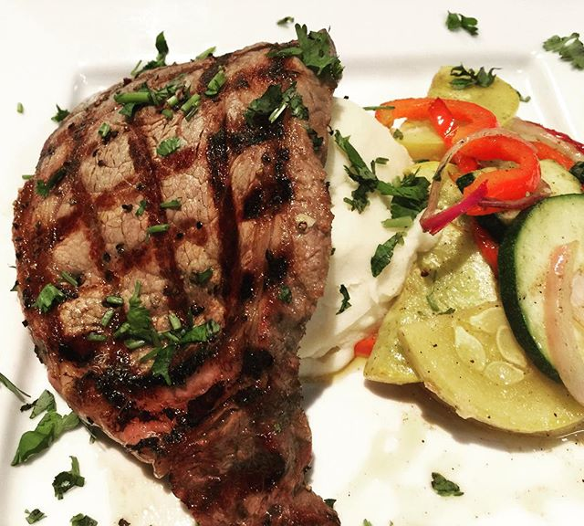 Tag someone who loves a good #steak! Come by and try our delicious #Ribeye paired with garlic #mashedpotatoes & sautéed #veggies!🍴 #mexican #food #beef #dinner #foodie #foodporn #nomnom #yummy #delicious #foodstagram #instafood #instagood #foodgasm #foodpics #hungry #happy #enjoy #bestoftheday #picoftheday #eat #eating #goodeats #restaurant #rjmexicancuisine