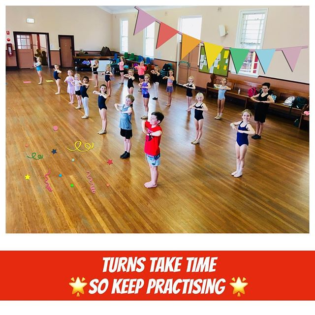 💙 Working hard in Our Tuesday Junior Jazz class 💙  #workit #turns #jazz #pirouette #trainhard #tuesdayjazz #coogee #coogeebeach