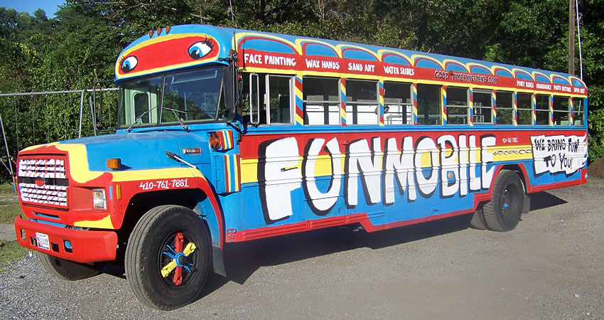 fun-bus-mobile-good-time-amusements