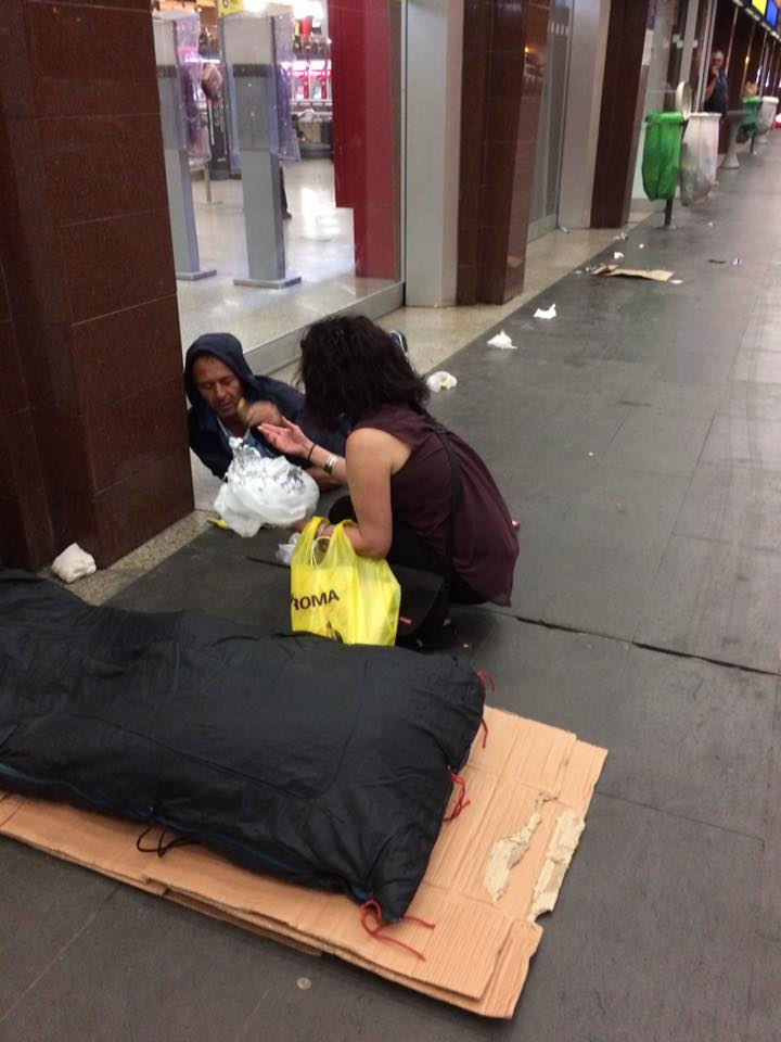 thedhms-melanie-feeds-homeless.jpg