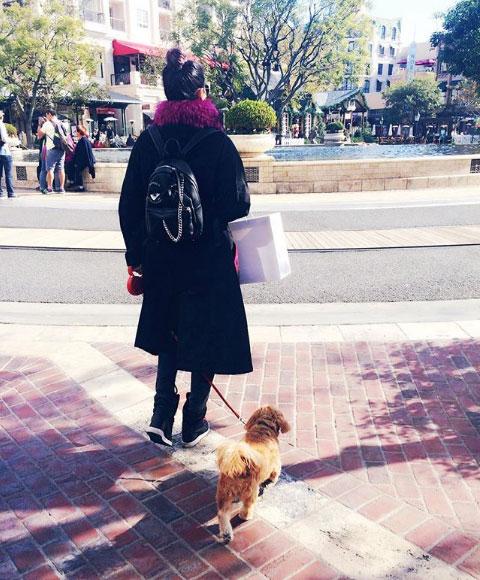 @arden_choe  in F/W 16 coat.
