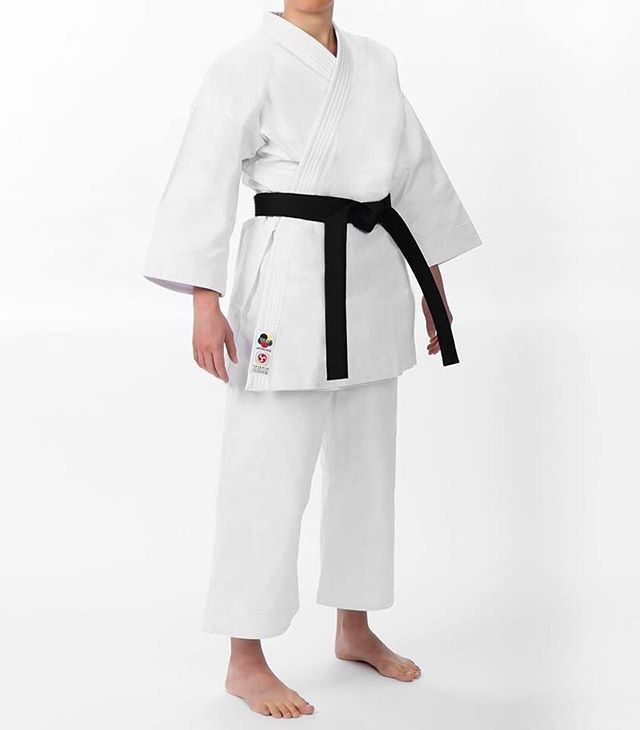 The Seishin Gi also comes in a womens cut. 👍🏽Avaliable NOW on our online store. Click the link in our BIO.⚡️⚡️