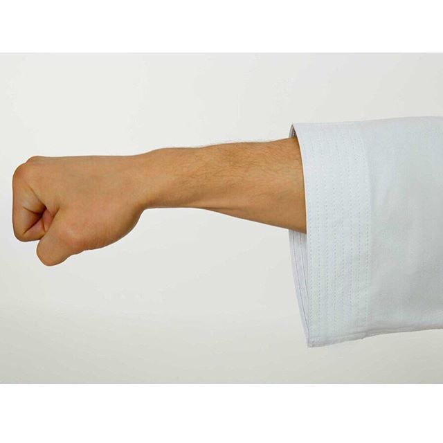 The okinawan cut of the Seishin Gi is shorter in the arms. 💪� Great for mobility and comfort. Once you try one you won't go back! ⚡�⚡� click the link in our bio for more.