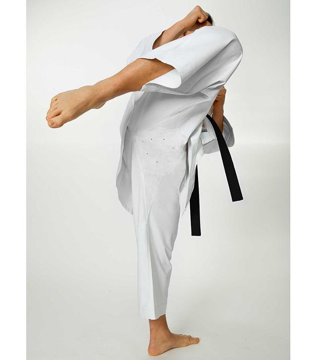 The Seishin Gi is in Australia! 👊�👊�With unparalleled range of movement for easy deep stances & high kicks, Its the only choice if you're serous about Karate! Click the link in our bio. ⚡�💪�