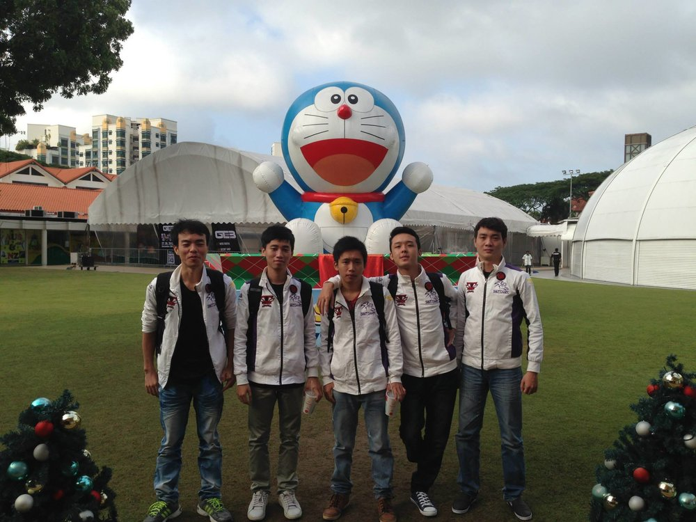 Team Spirit Gaming at the Asian Cyber Games, Thành pictured middle (Photo: Facebook)