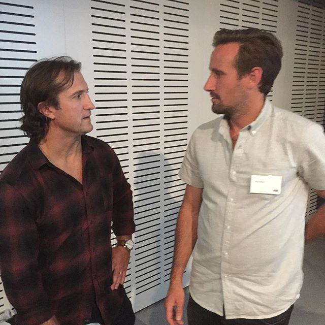 A couple of frothers! Luke Beveridge and Melbourne Victory premiership play @ward_nick debating their backhand re-entry #surfmasterclass #surfersinsport