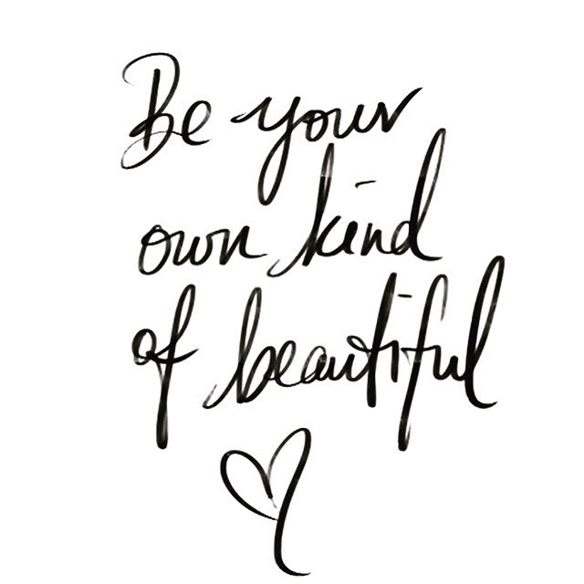 In a world trying to conform you instead be your own kind of beautiful. Embrace that you're different, it's a good thing💕