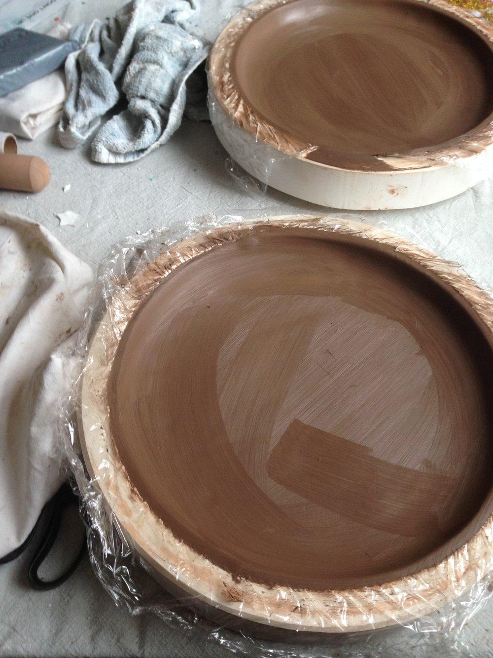 Black clay plates