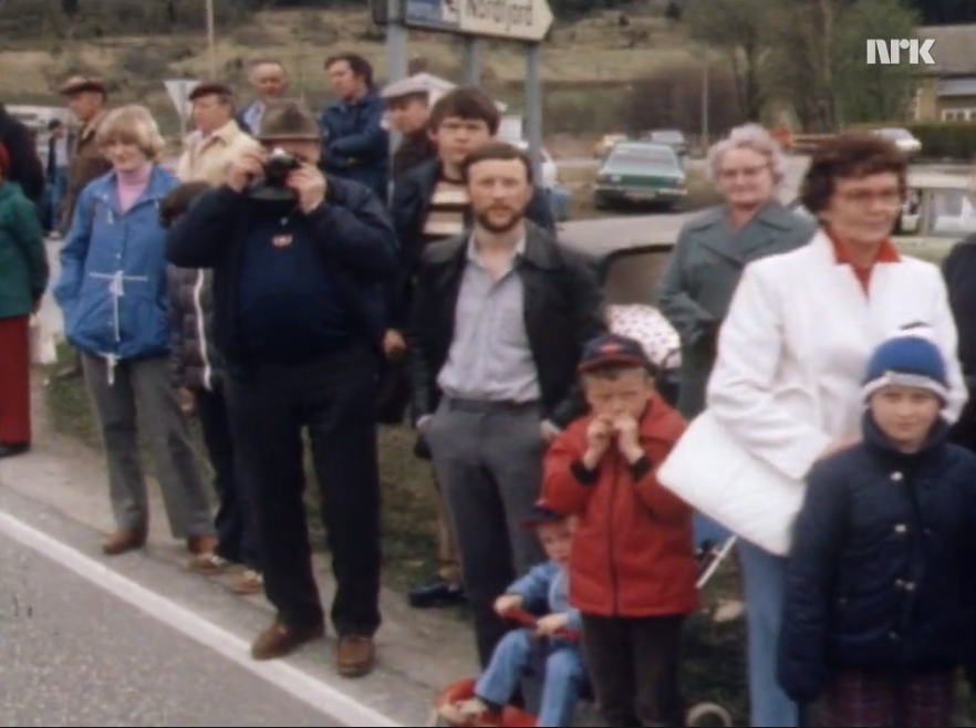 Me as a two-year-old boy watching a Fjording parade togehter with my family at Nordfjordeid in 1982 (NRK Norge Rundt).