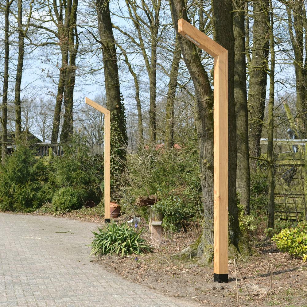 STRATO-houten-lantaarn-voor-inrit.jpg